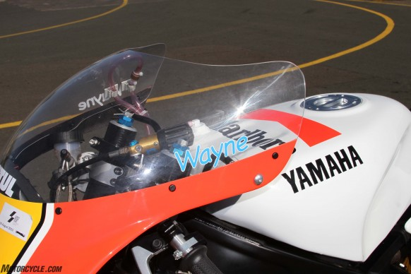 072516-wayne-rainey-replica-yamaha-yzr500-fuel-tank