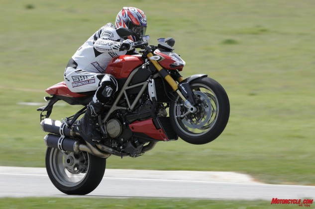 080416-top-10-disappointing-motorcycles-003-ducati-streetfighter-1098