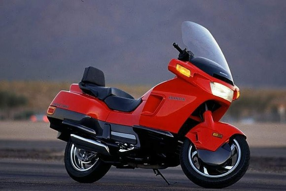 080416-top-10-disappointing-motorcycles-004-honda-pacific-coast