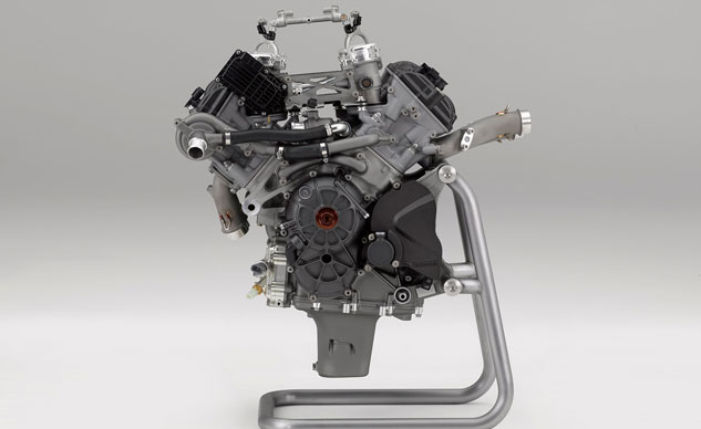 080916-honda-RC213V-S-engine-f