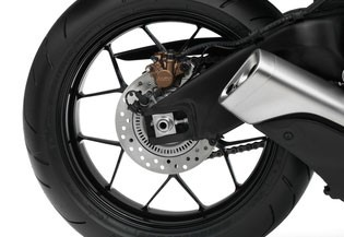 091416-2016-honda-cbr1000rr-rear-wheel