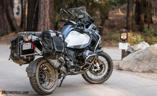092316-Wire-Wheeled-Adventure-Tourers-BMW-2604r1200gs-adventure