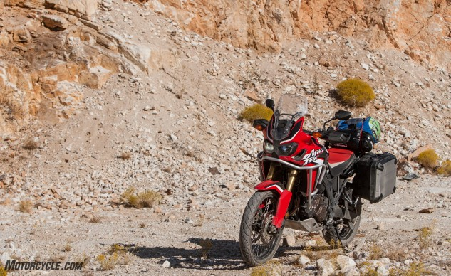092316-Wire-Wheeled-Adventure-Tourers-Honda-2825-crf1000l-africa-twin