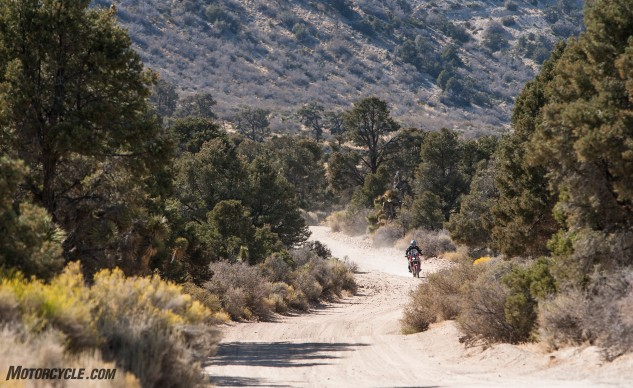 092316-Wire-Wheeled-Adventure-Tourers-Honda–crf1000l-africa-twin