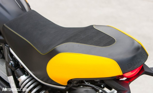 Skinny in the front, broad in the back, and well padded all over. The Scrambler Full Throttle has a comfortable seat that blends well with the overall comfort provided by the upright bars and neutral pegs.