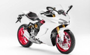 100416-2017-ducati-SUPERSPORT-S-f2