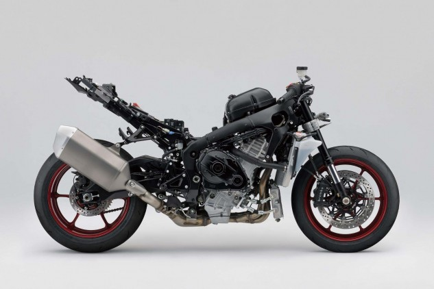 """That's all housed in an all-new frame Suzuki says is """"more compact and lighter, improving response and agility. It is designed to increase the rider's confidence in RUN, TURN, STOP performance on the racetrack."""""""