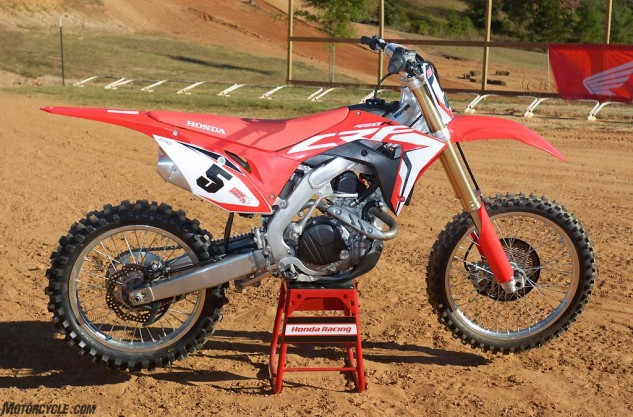 The 2017 Honda CRF450R has been a long time in coming, but its all-new Unicam engine, chassis and new suspension make the big red machine a serious contender in the 450cc motocross class.