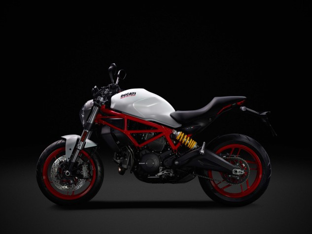 A visually more pleasing air-cooled Monster is unuglified by the removal of the unsightly cooling lines hampering the liquid-cooled Monsters. However, the more affordable Monster does lose the single-side swingarm.