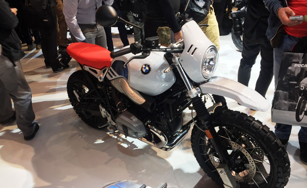 110816-2017-bmw-r-ninet-urban-gs-f