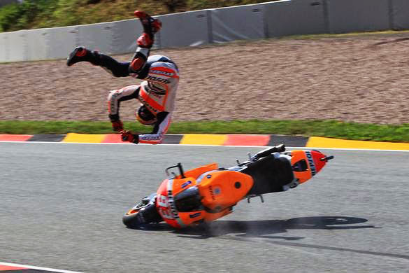 111016-top-10-hard-moto-lessons-1-a-marquez-crash