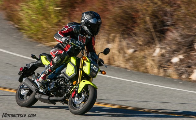 112516-125cc-shootout-Little-Bikes-Street-Honda-Grom-Action-2837