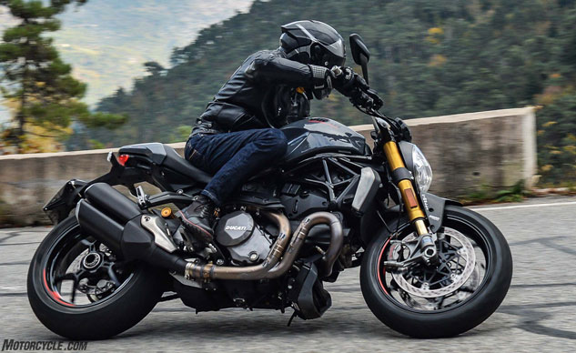 112916-2017-ducati-monster-1200s-video-review-f