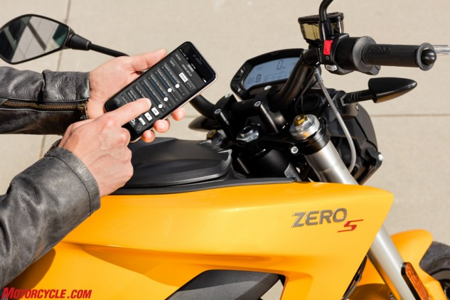 Say goodbye to wrenches; Zero's mobile app allows you to adjust numerous parameters of your bike at the push of a button. Now you can even update the firmware from your phone, too.