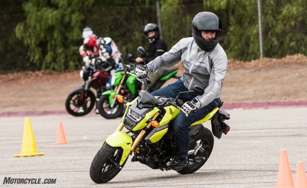 Little-Bikes-Parking-Lot-Honda-Grom-2220