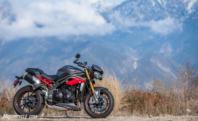 122316-Streetfighter-Christmas-Special-Triumph-Speed-Triple-02