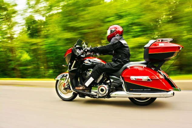 010917-top-10-victory-motorcycles-all-time-01-cross-country