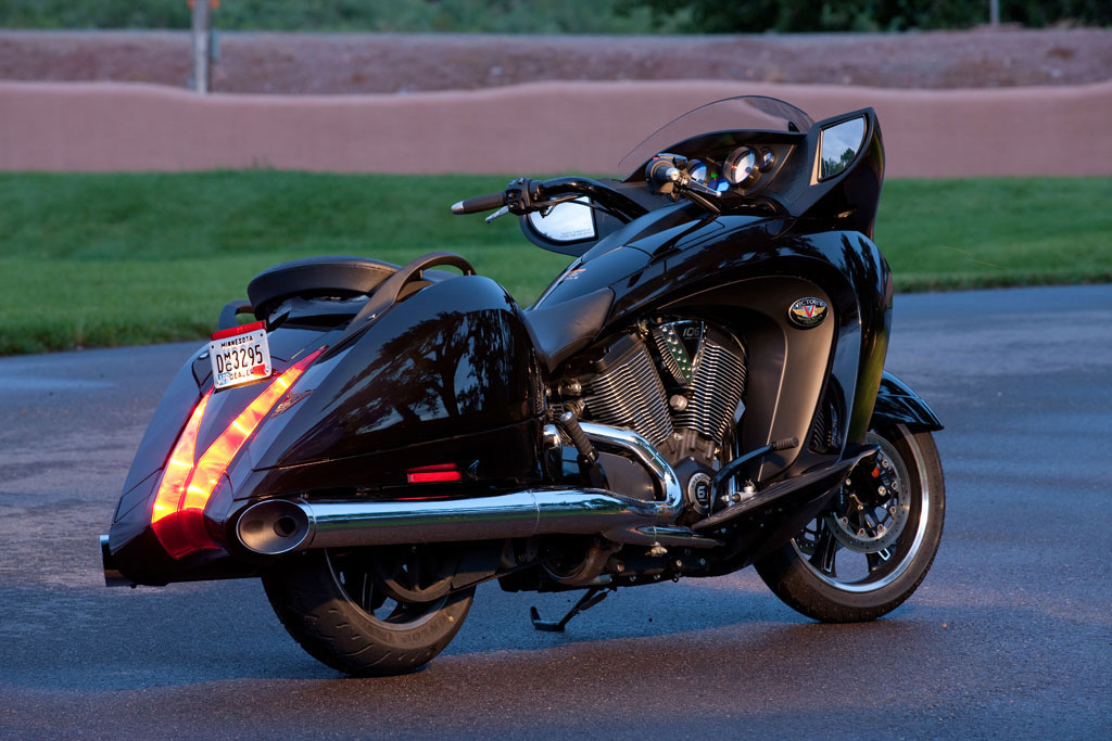victory motorcycles vision ball motorcycle 2008 08a ride bagger