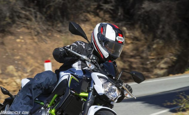 With the flip-down visor in action, riding in bright and sunny conditions isn't a strain on the eyes. The visor comes down low enough as to not disturb the lower edge of your field of view. Once the sun starts to set, simply flip the switch and the visor retracts out of sight.