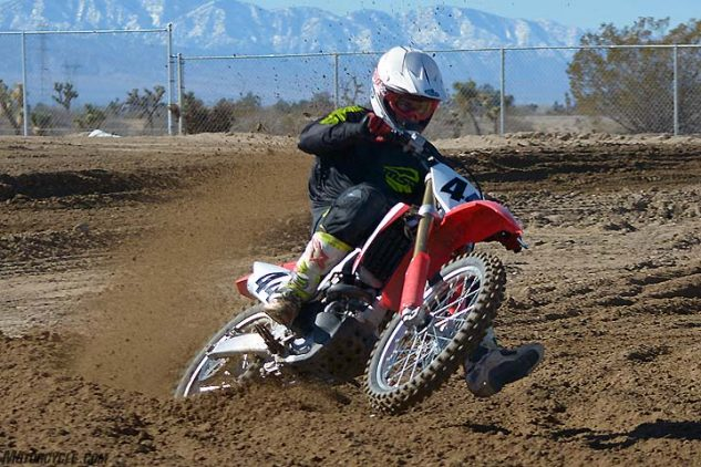 Past CRF450R models tended to be quick-steering at the expense of high-speed stability, but the 2017 Honda CRF450R retains that easy-turning character while remaining rock-solid at speed.