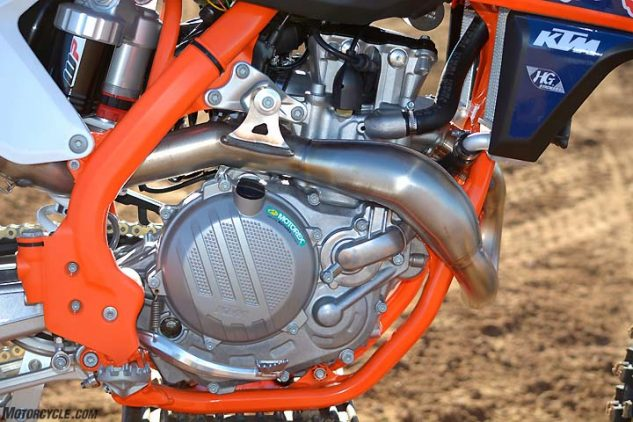 The KTM's SOHC engine is supposed to be tuned identically to the Husqvarna's, and yet the KTM made less horsepower on the dyno – 52.5 at 9800 rpm – and felt faster on the track.