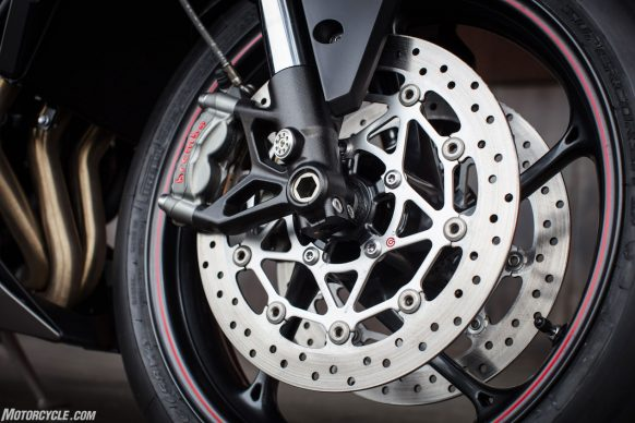 021617-2017-triumph-street-triple-rs-765-front-wheel