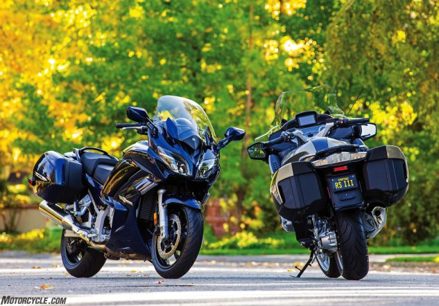 022717-dunlop-roadsmart-iii-performance-touring-bmw-r1200rt-yamaha-fjr1300