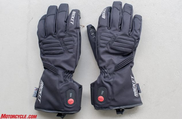 Apart from the red On/Off button near the wrist closure, it'd be difficult to tell these are heated gloves. Also note the padding above the knuckles, the only area equipped with impact protection.