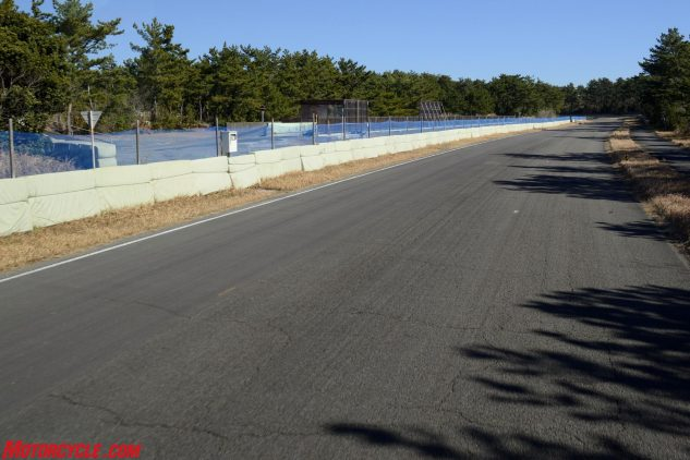 Unlike a proper race course, the Ryuyo testing circuit has a dearth of run-off room. Note also the two pavement surfaces here, smoother on the left side.