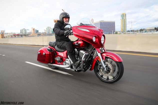 2017 Indian Chieftain Elite red