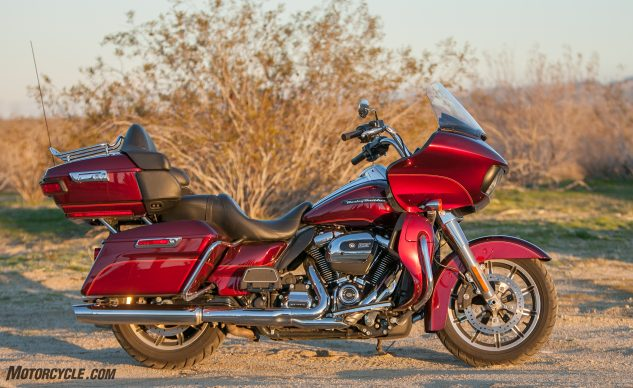 051917-2017-road-glide-ultra-harley-davidson-ultra-fairing-comparison-4