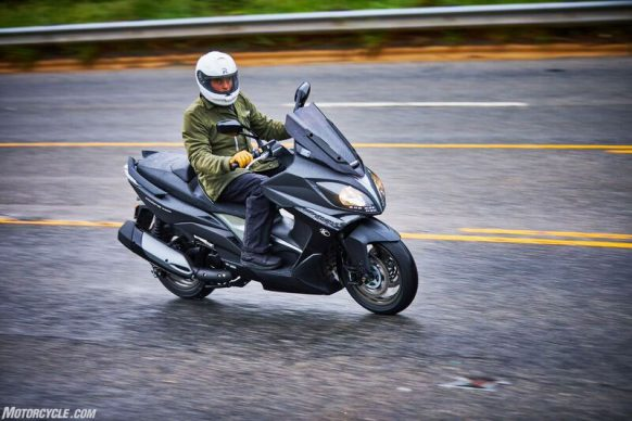 053117-2018-kymco-xciting-400i-action-3