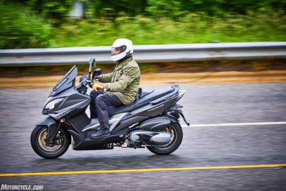 053117-2018-kymco-xciting-400i-action-6
