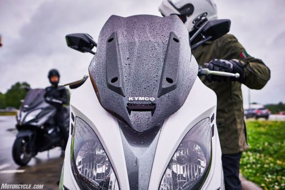 053117-2018-kymco-xciting-400i-front-windscreen-design