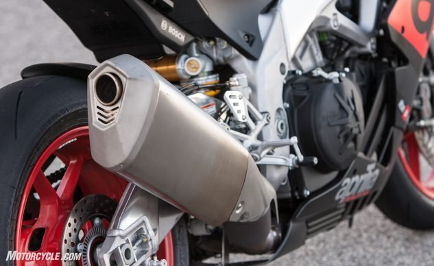 When it comes to describing the sound emanating from Aprilia's V-4 powerplant, we've exhausted the thesaurus. Simply put, it's a sound you never grow tired of hearing. And part of the soul-stirring reasons why emotional motorcyclists find themselves drawn to the Aprilia over the BMW.