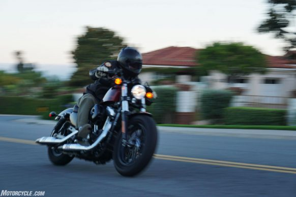 062117-2017-harley-davidson-forty-eight-sportster-03-action