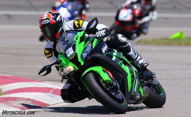 062327-2017-shootout-superbike-track-group-05