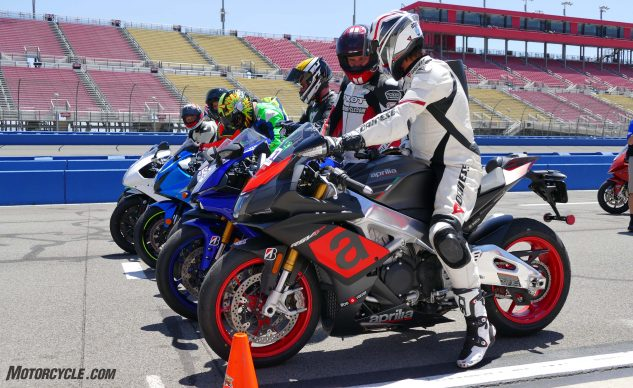 062327-2017-shootout-superbike-track-group-1120381