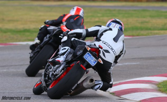 062327-2017-shootout-superbike-track-group-15