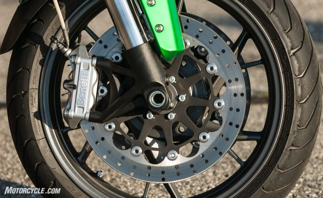 070617-2017-middleweight-naked-shootout-benelli-tnt600-7046