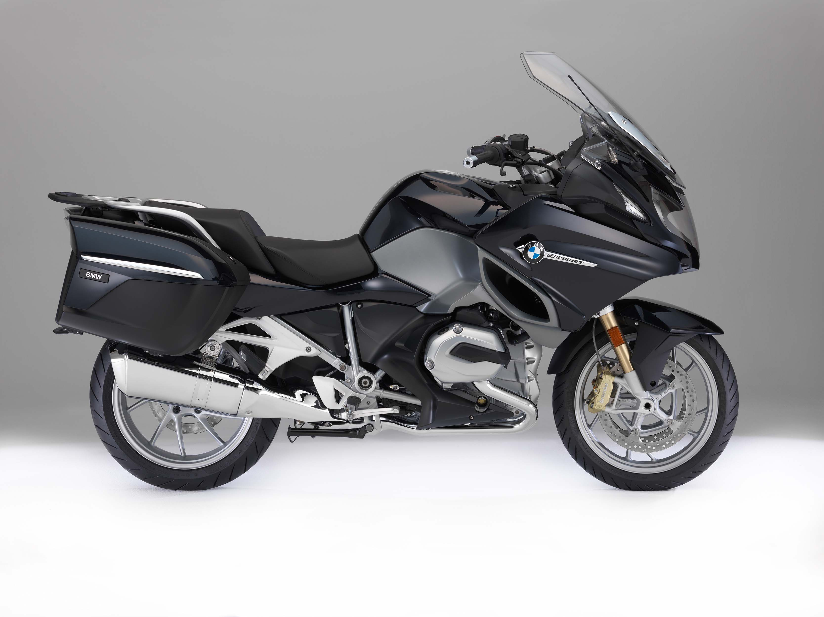 2018 bmw motorcycles receive new colors and option updates. Black Bedroom Furniture Sets. Home Design Ideas