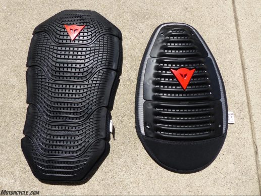 071117-dainese-super-speed-textile-jacket-3-manis-g2-wave-g2-back-protectors