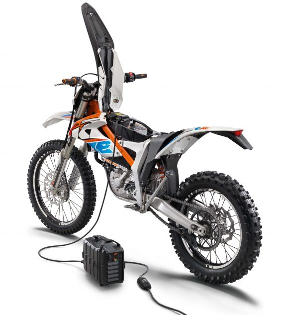Top 10 Tire Brands >> 072517-ktm-freeride-e-xc-electric-01 - Motorcycle.com