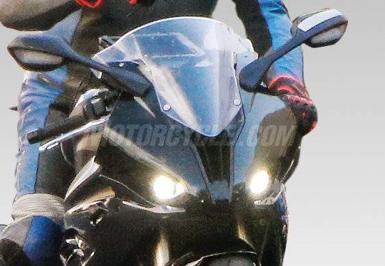 072617-2018-bmw-s1000rr-spied-001-headlights