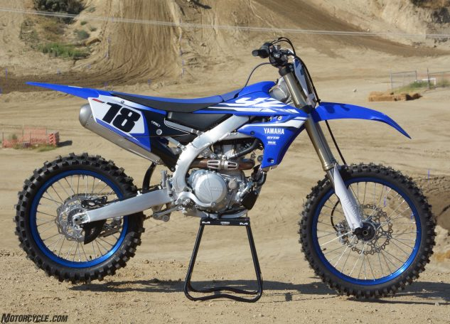 There's no mistaking the 2018 Yamaha YZ450F for a 2017 model. The new machine's bilateral beam aluminum chassis features much straighter main spars than its predecessor.