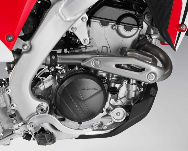 The CRF250R also features a new electric starter powered by a small, lightweight lithium-iron phosphate battery, same as the CRF450R. The design eliminates the need for a kickstarter.