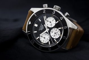 080217-top-10-motorsports-watches-heuer-autavia-chronograph