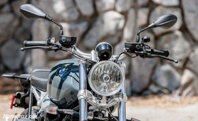 081517-retro-roadsters-revisited-bmw-r-ninet-pure-07