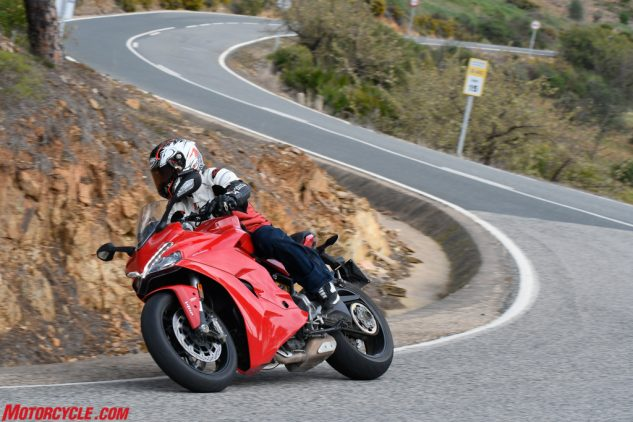 081717-mobo-2017-sportbike-ducati-supersport