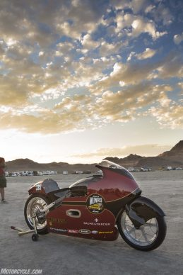 082517-indian-scout-spirit-of-munro-bonneville-salt-flats-speed-week-AB9T5807